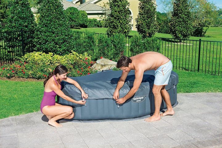 Saluspa Siena 2 person hot tub with cover